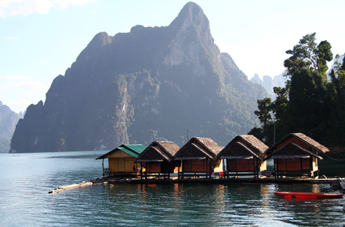 Kao-Sok-Lake-Floating-Houses