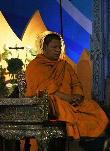 Erawan-Monk