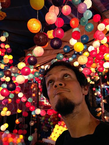 mercado-luces-bolas