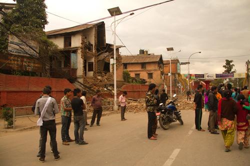 Edificio-caído-amplia-calle